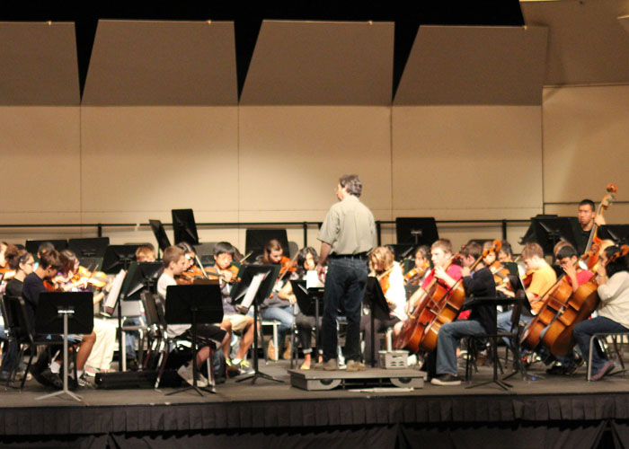 Niles+West+First+Combined+Orchestra+and+Choir+Holiday+Concert