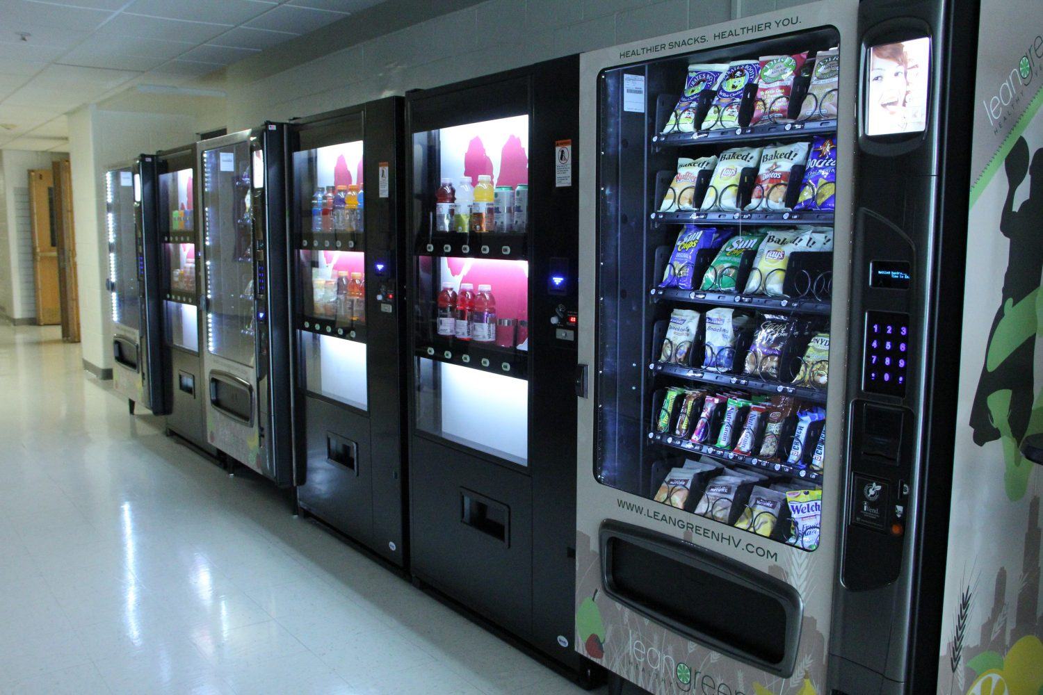 Say+Goodbye+to+Poptarts%3A+Vending+Machines+Now+Contain+Healthier+Snacks