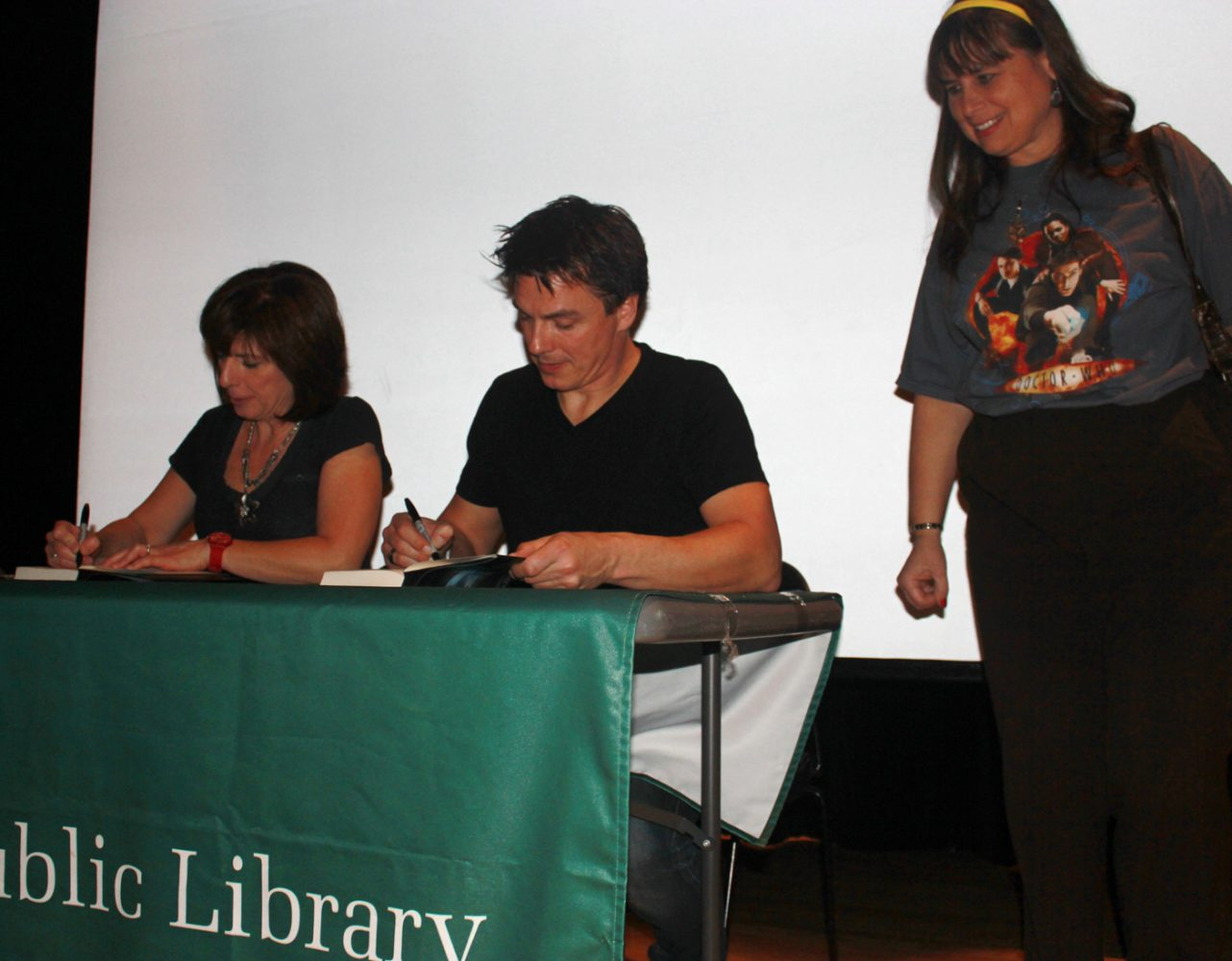 Skokie+Public+Library+Hosts+John+Barrowman+Book+Tour