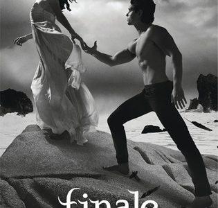 """Finale"" to the Hush, Hush Series"