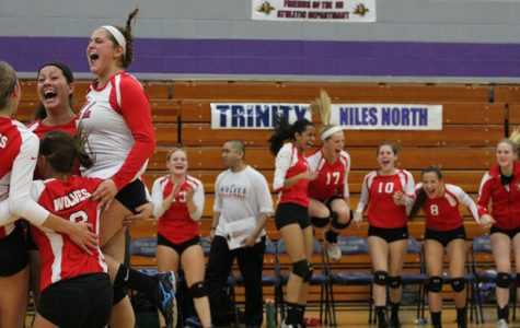 Girls' Volleyball Wins First Sectional Game