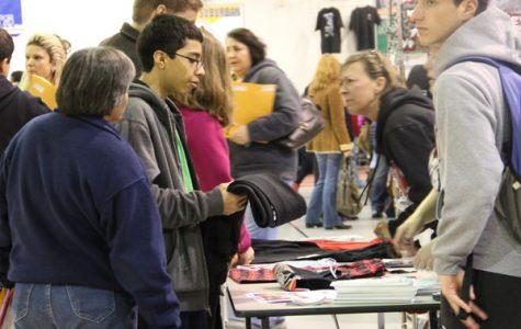 Storify: Activities Fair Excites Incoming Freshmen