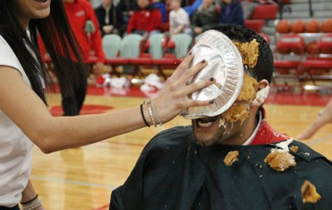 Constante, Song Lead in Pie-in-the-Face Voting