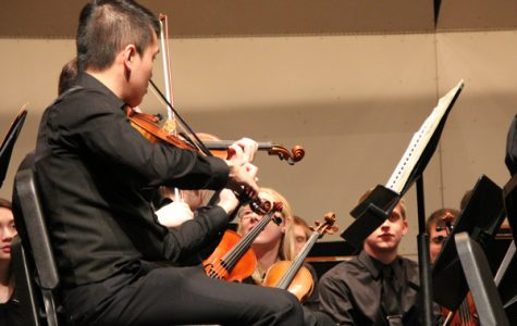 University of Iowa Orchestra Performs at Niles West