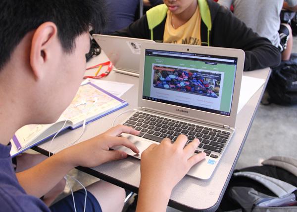 Niles West Adapts a New Grade Program