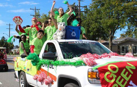 Photos: Homecoming Parade 2015