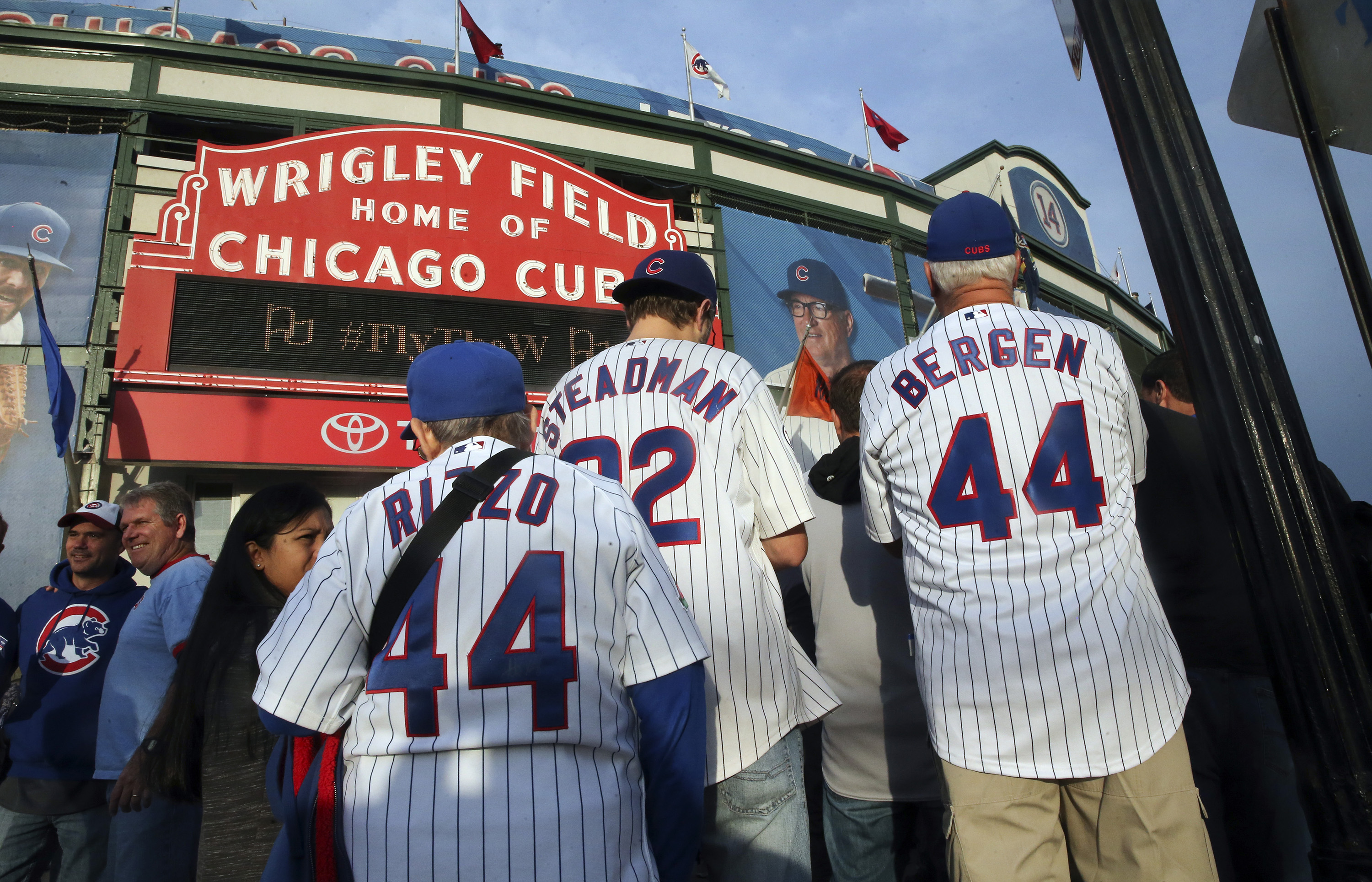 Fans arrive for Game 4 of the NLCS as the Chicago Cubs play host to the New York Mets on Wednesday, Oct. 21, 2015, at Wrigley Field in Chicago. (Nuccio DiNuzzo/Chicago Tribune/TNS)