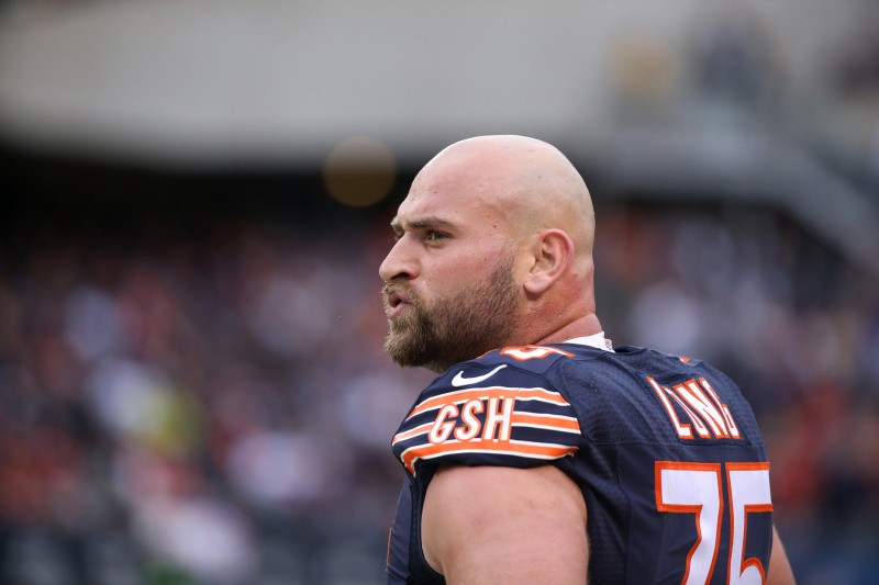 Chicago+Bears+offensive+tackle+Kyle+Long+isn%27t+a+star%2C+but+is+admired+for+his+selfless+contributions+to+the+team+-+attributes+that+are+valuable+in+the+workplace%2C+according+to+a+new+study.+%28Chris+Sweda%2FChicago+Tribune%2FTNS%29