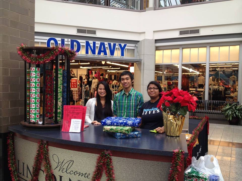 Earn Service Hours By Gift Wrapping for Expanding Lives