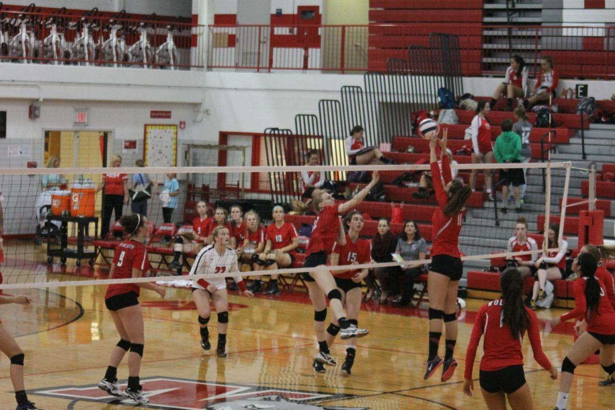 Niles West girls varsity volleyball win against Maine South, adding another win to their season this year.