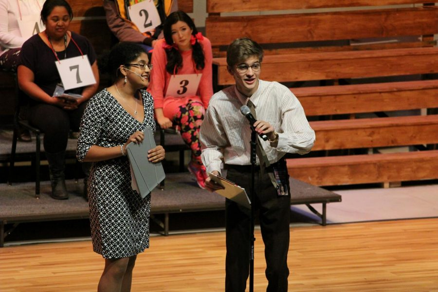 Senior+Sean+Collins+performs+in+the+Niles+West+Theatre+Department%27s+production+of+%22The+25th+Annual+Putnam+County+Spelling+Bee%22+on+Oct.+12.+Photo+by+Sammy+Butera.+