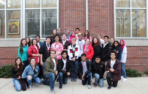The Niles West Science Olympiad team poses for a group picture at the 2018 state tournament.