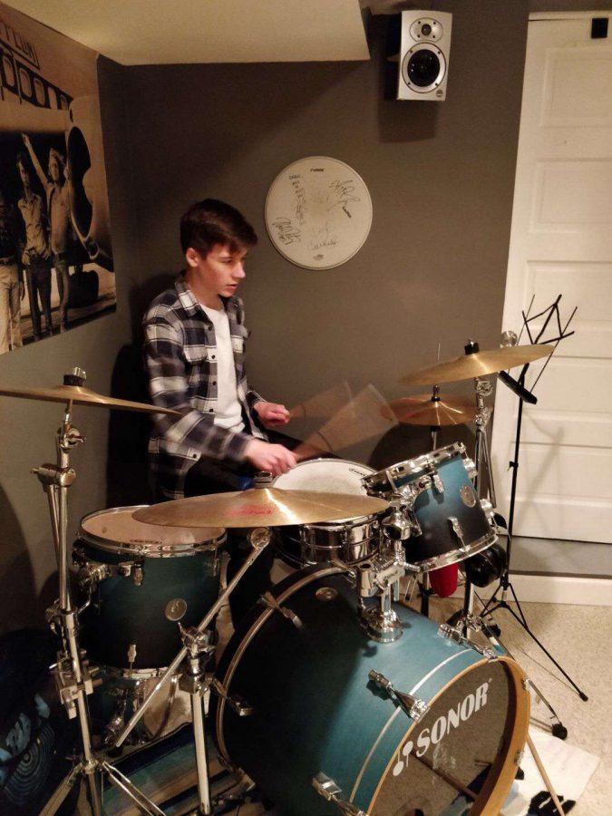Senior+Dario+Susnjara+practicing+his+passion.