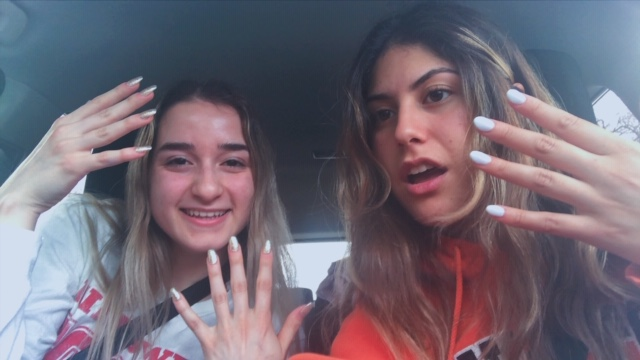 I Get Fake Nails For The First Time – Niles West News