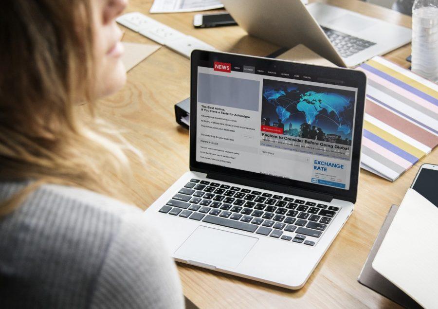 News+website+shown+on++laptop+screen.