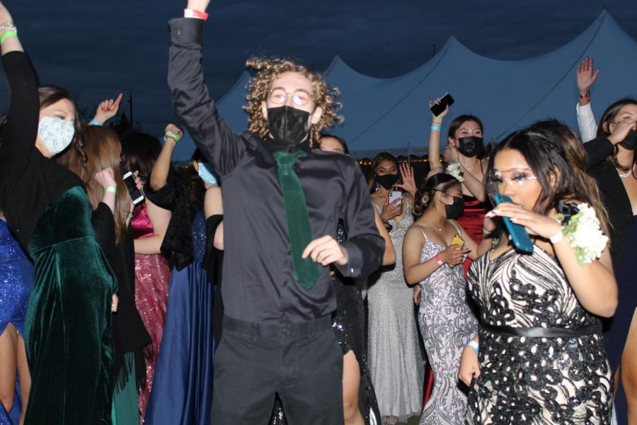 Jump if you're excited to be at prom!