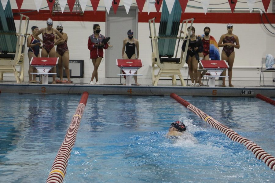 Lane 4 with a lead in the 200m Freestyle.