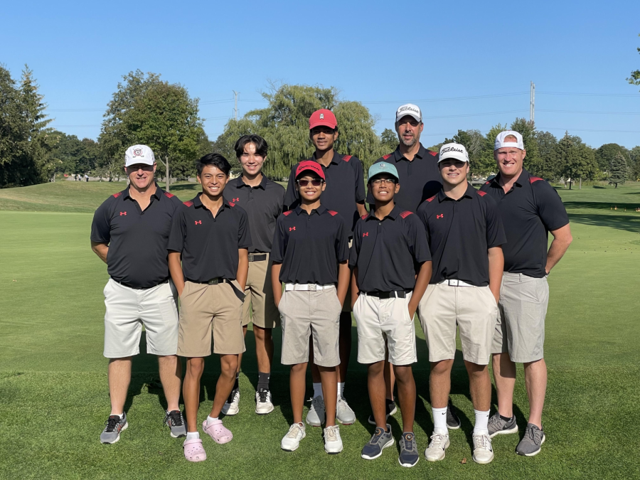 The 2021 Boys golf team that will be going to regionals on Monday.